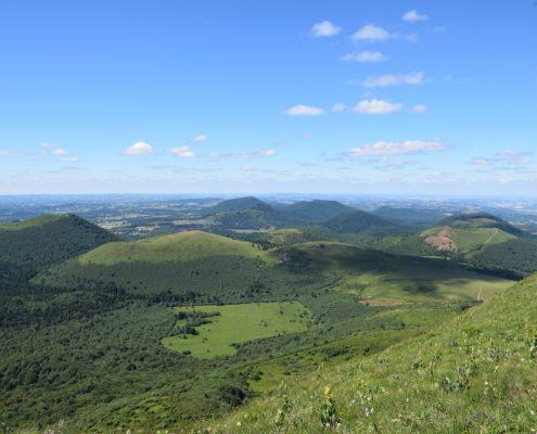 Parc-Naturel-Regional-volcans-Auvergne-Dream-Coach